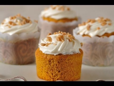Pumpkin Cupcakes, A Yummy Halloween Treat!