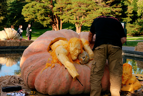 Ray Villafane's 3-D Pumpkin Carving